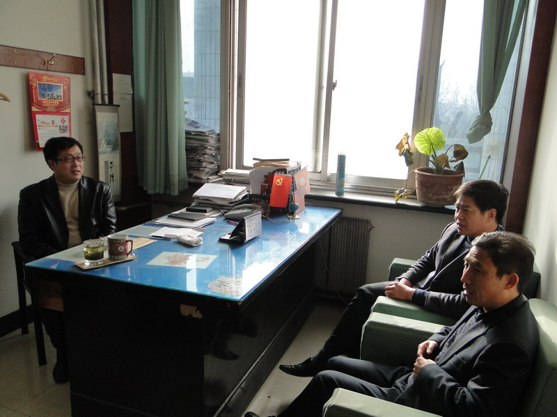 淄博市沂源二中教育考察团到潍坊四中考察参观