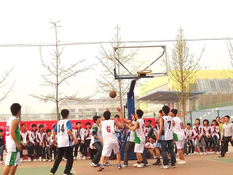 我校高二年级篮球比赛圆满结束